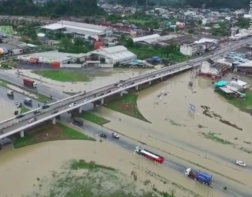 Дожди на юге Таиланда