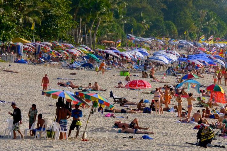 Таиланд подтверждает — прививки от ковида не будут делать даже ради туризма
