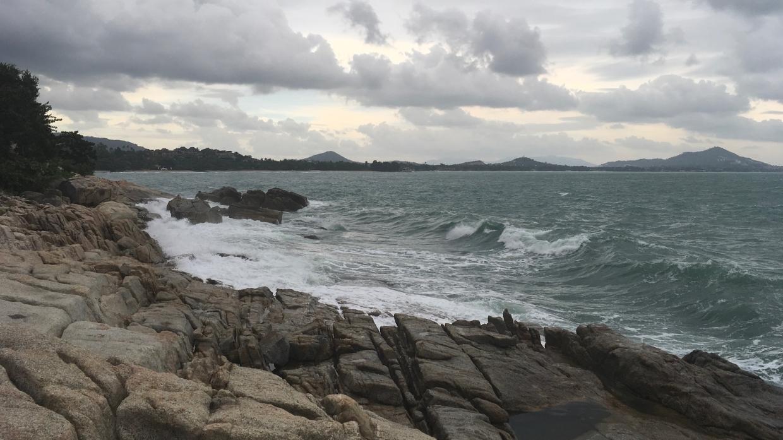 СМИ: в Таиланде яхту с россиянами выбросило на скалы