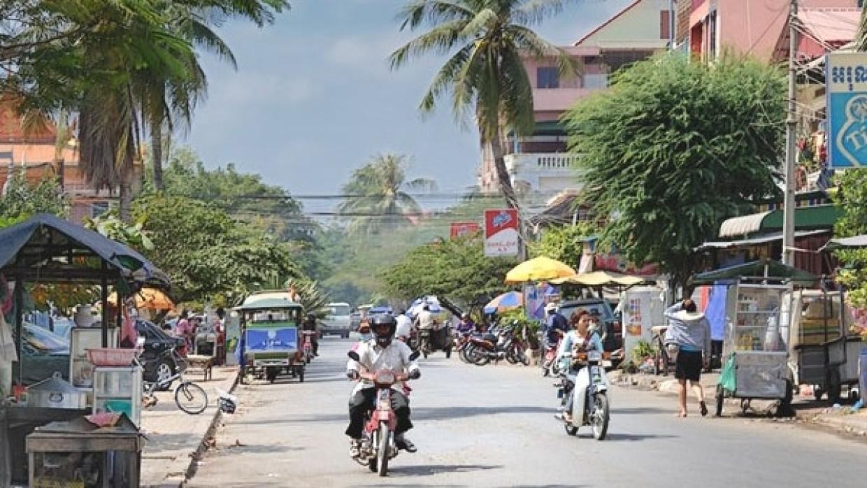 Генерал полиции Камбоджи потерял работу из-за вечеринки во время карантина