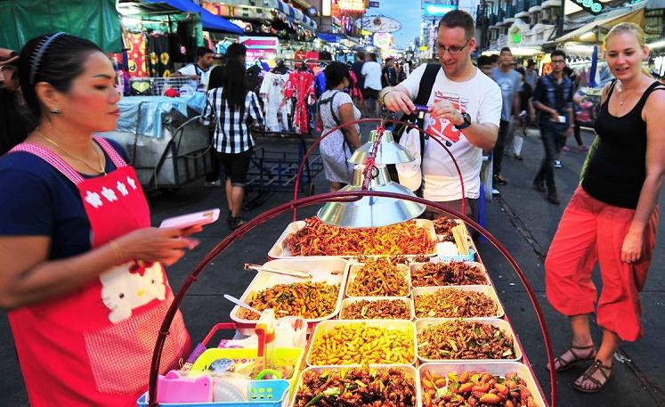 Озвучен проект реформирования уличной торговли едой в Бангкоке