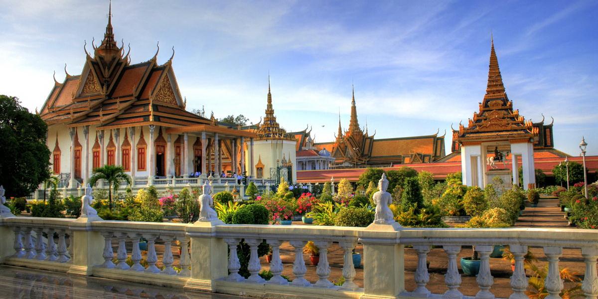 В Пномпене проходит фотовыставка, посвященная 60-й годовщине установления дипотношений КНР и Камбоджи