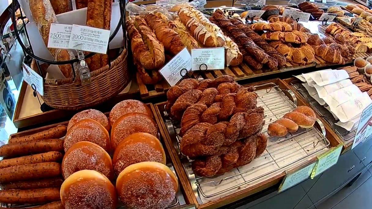 Южнокорейская пекарня Paris Baguette появится в Камбодже