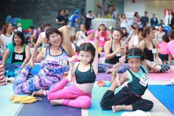 В Паттайе отмечают Всемирный день йоги