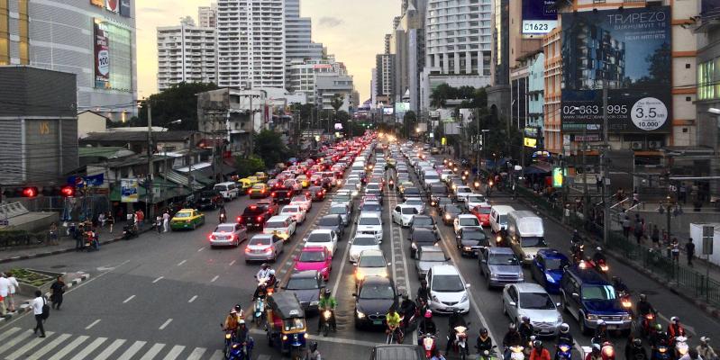 Повышение безопасности на дорогах принесет экономике Таиланда прибыль в 22% ВВП