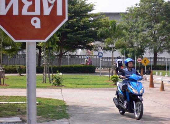 Нюансы получения и обмена в Камбодже водительских прав