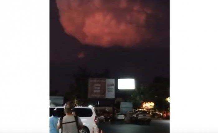 Над островом Пхукет появилось необычное грозовое облако (ВИДЕО)