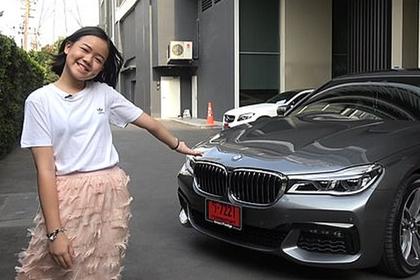 Школьница в Таиланде заработала на шикарный автомобиль с помощью видео о косметике