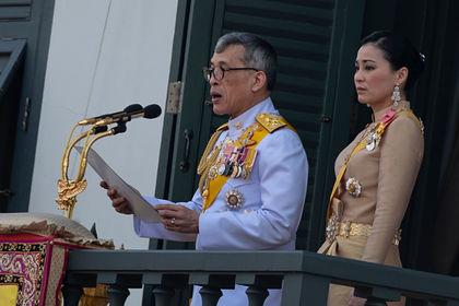 Король Таиланда на карантине из-за коронавируса: арендовал немецкий отель и заселился туда с гаремом из 20 девушек