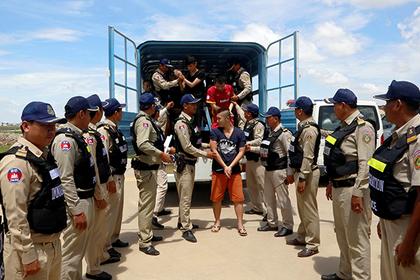 Камбоджа депортировала 74 граждан КНР