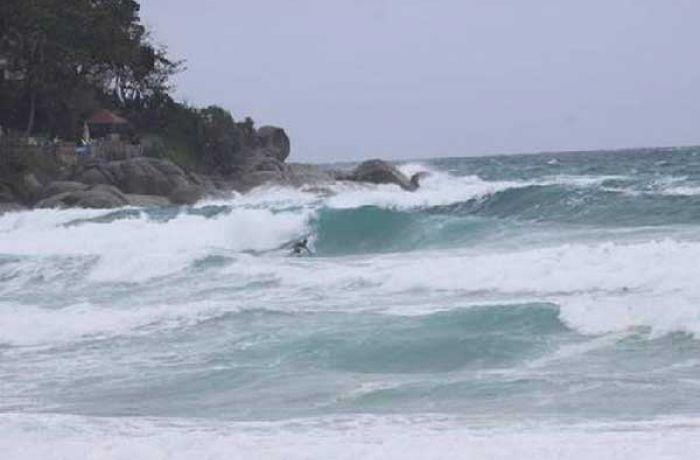 Пляжному бизнесу напомнили об ответственности за работу в штормовую погоду