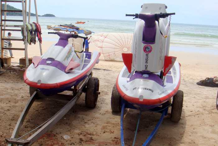 Прокатчики аквабайков снова смогут парковать трейлеры на пляже в Патонге