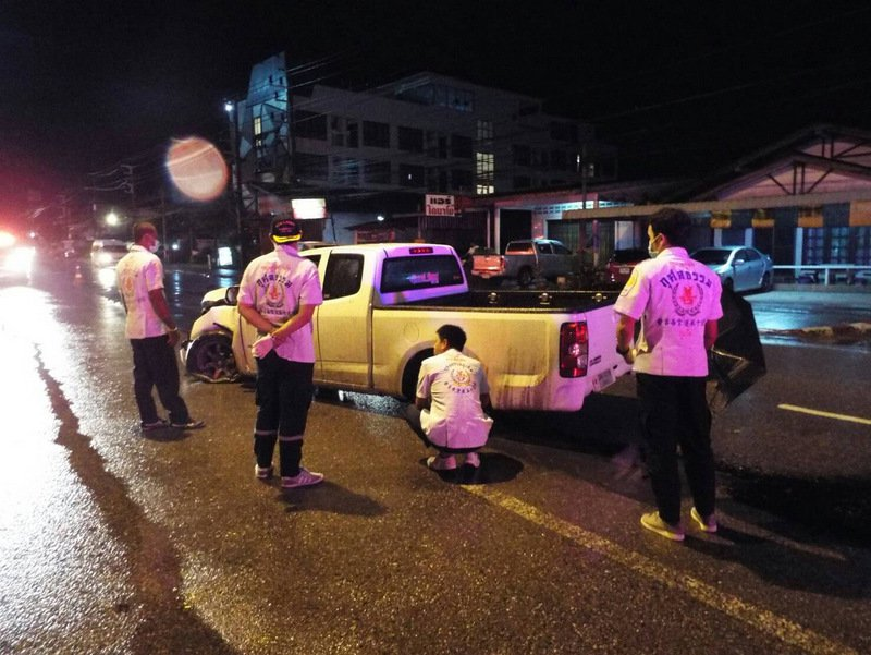 Пьяный водитель за рулем пикапа протаранил столб в Паклоке