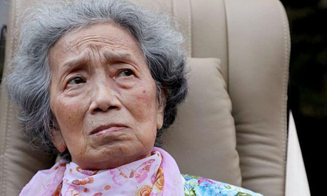 76-летняя тайка обвинила собственную дочь и банк в краже 250 млн бат