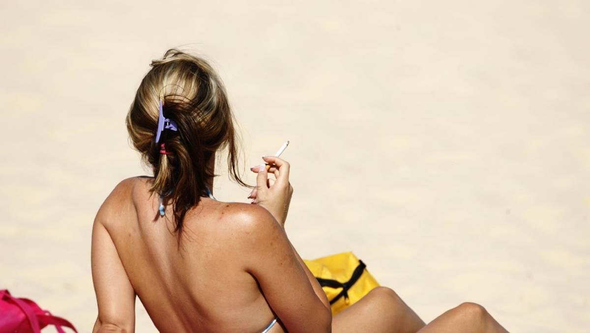 В Таиланде вводят запрет на курение на популярных у туристов пляжах