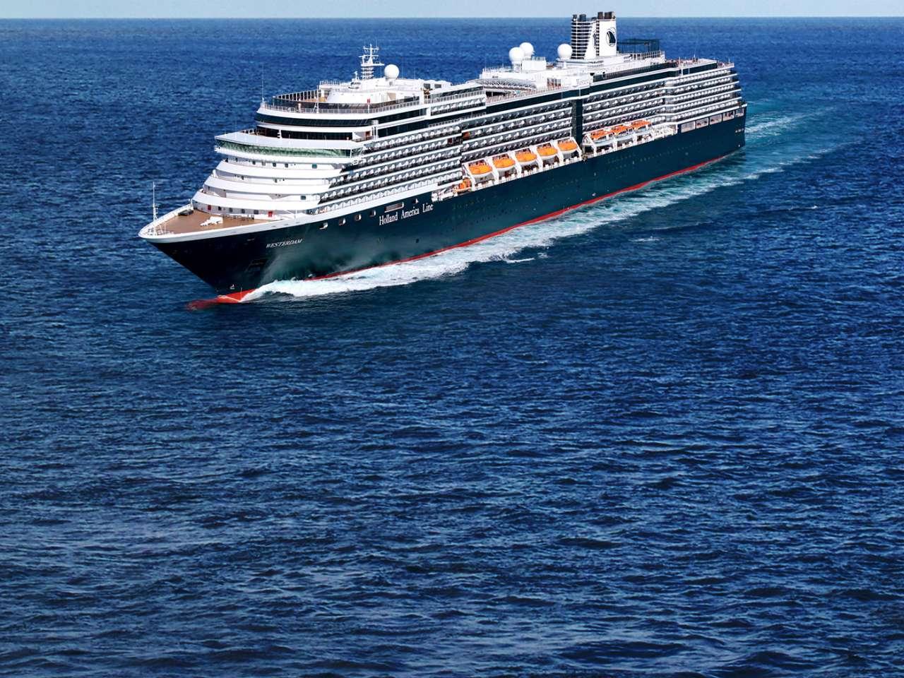 Власти Таиланда отказали круизному лайнеру Westerdam в заходе в порт страны в связи с опасностью коронавируса