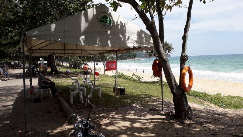 На пляже Сурин должны появиться спасатели