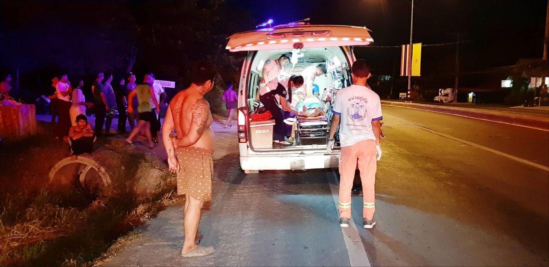 Два туриста из Китая на мотоцикле врезались в световую опору в Раваи