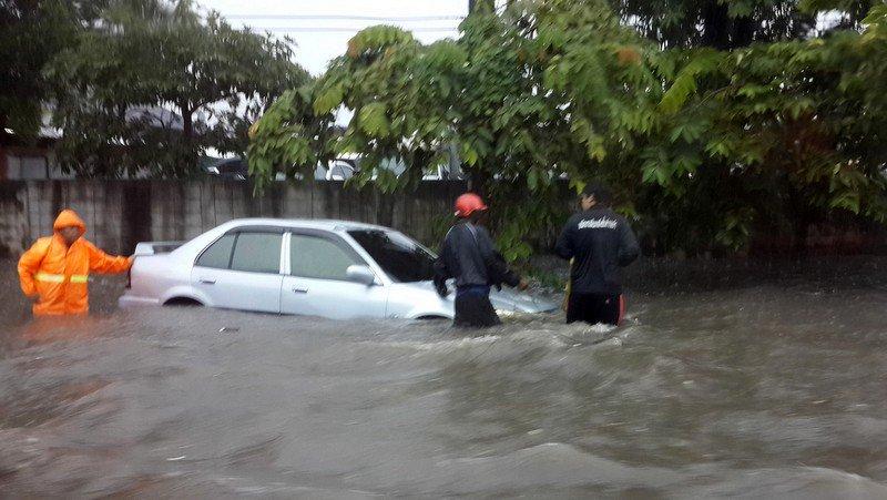 На Пхукете выпущено предупреждение о локальных наводнениях и оползнях