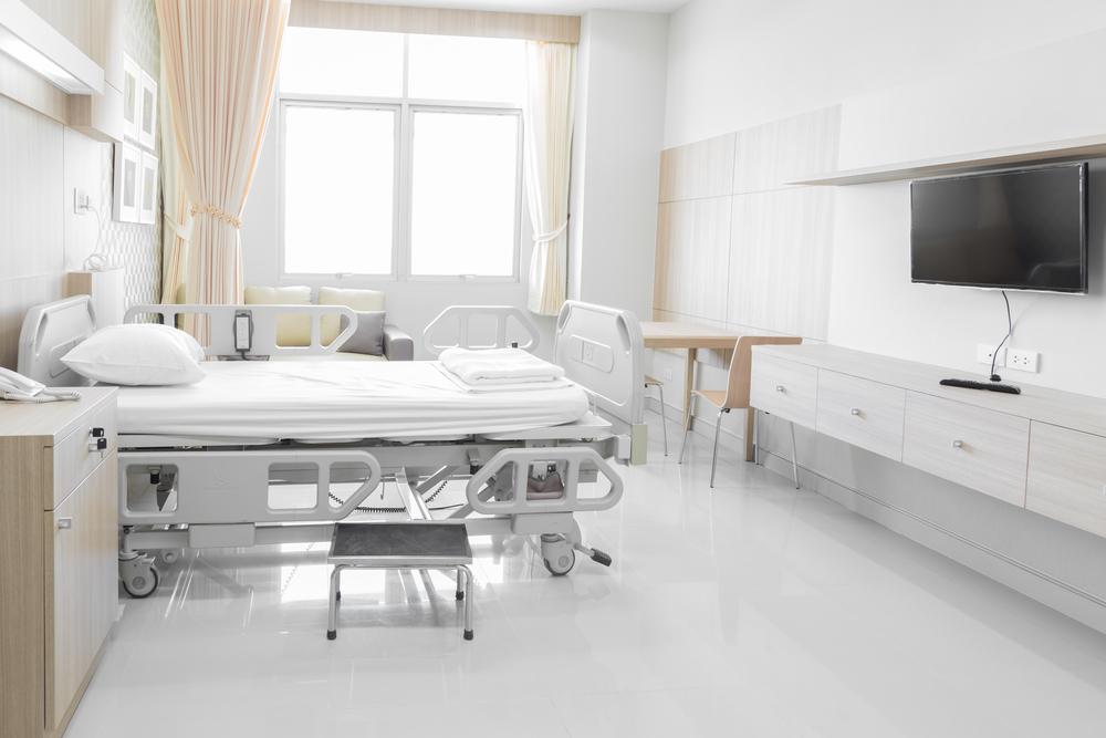 Правительство Таиланда берет под контроль частные клиники