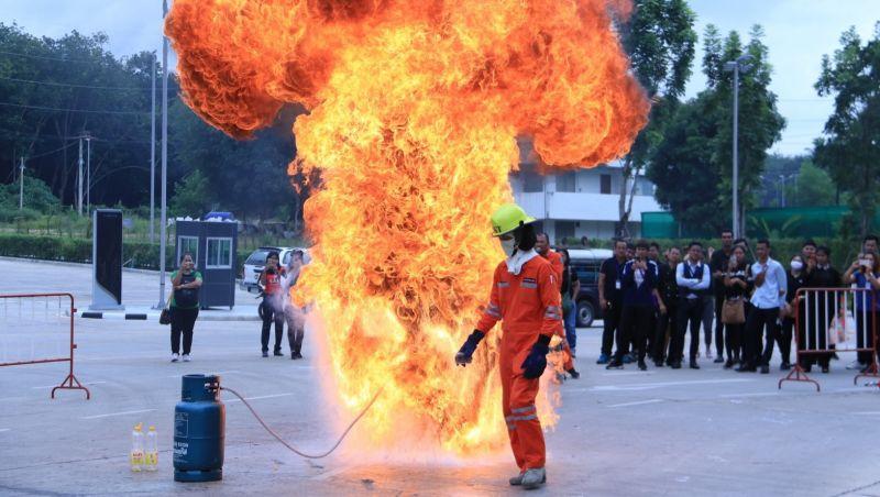 В Central Phuket провели пожарные учения