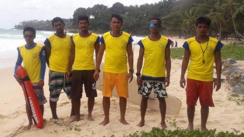 Спасатели прибыли на пляж Сурин на Пхукете