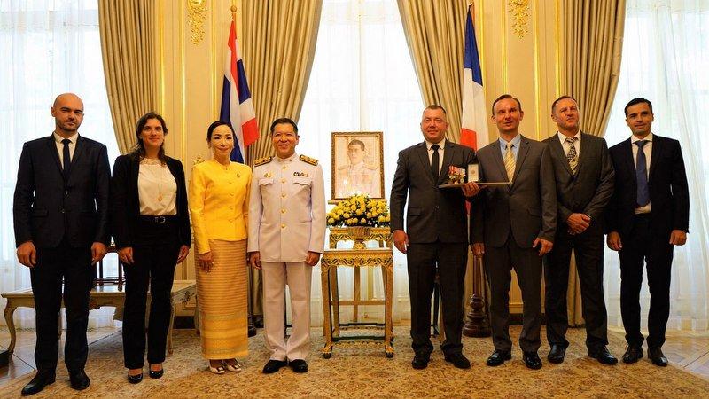 Пхукетский экспат получил тайскую королевскую награду за спасение детей из пещеры Тхам-Луанг