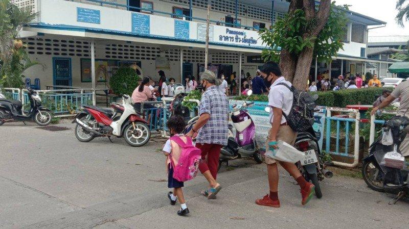 Тайские школы возобновили работу