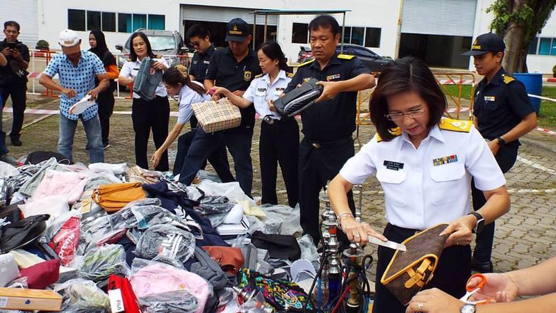 Почти 6000 единиц контрафактной продукции уничтожили на Пхукете