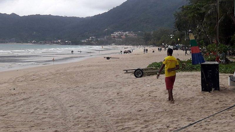 Спасатели на пляже в Патонге будут наниматься круглый год