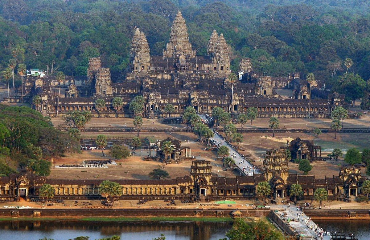 США пытаются «примириться» с Камбоджей, очернив Китай?