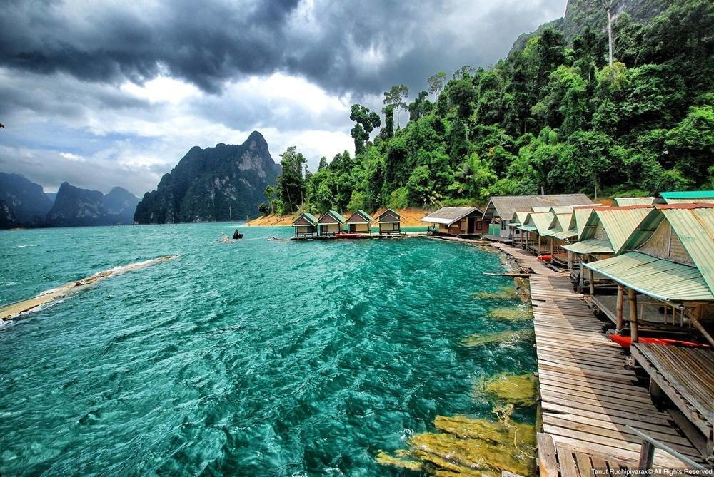 Крупные компенсации получают застрявшие в Таиланде новосибирцы