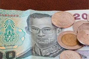 Премьер Таиланда предлагает срочные меры оздоровления экономики