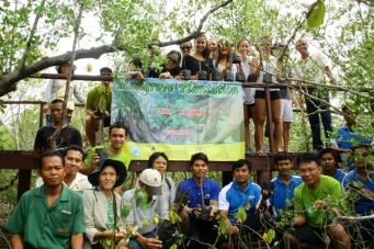 Plant our future (Mangrove Plantation Pangka Koh Samui )