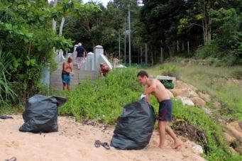 Уборка Пляжа - Самуи