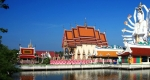 Ват Плай Лаем (Wat Plai Laem)