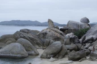 Самуи - камни Дедушка и Бабушка (англ. Grandfather & Grandmother Rocks).
