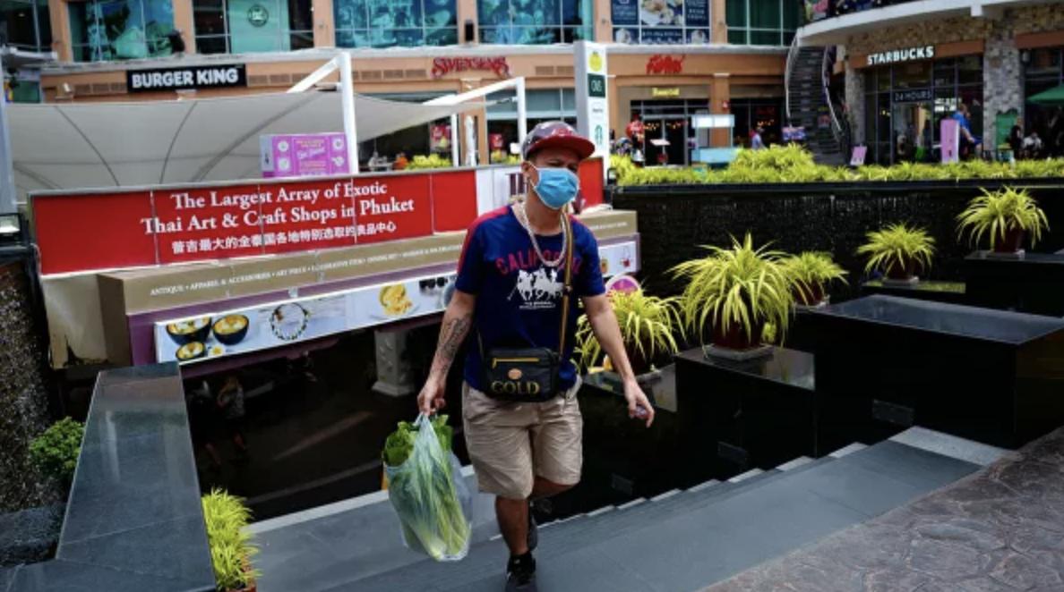 Таиланд закрыл границы для иностранцев: в стране введено чрезвычайное положение