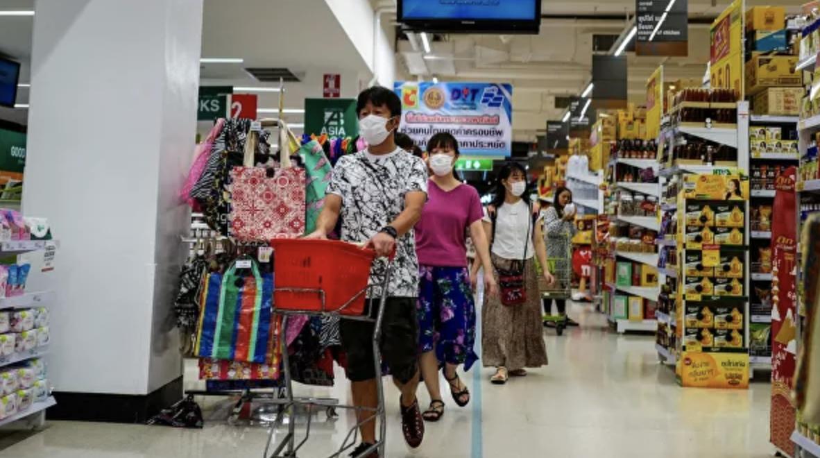 На Пхукете закрываются круглосуточные магазины и мотопрокаты