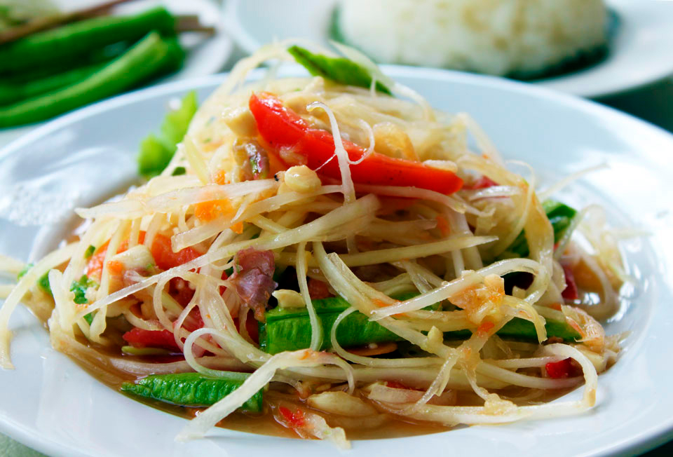 Тайский салат Сом Там в десятке лучших мировых блюд