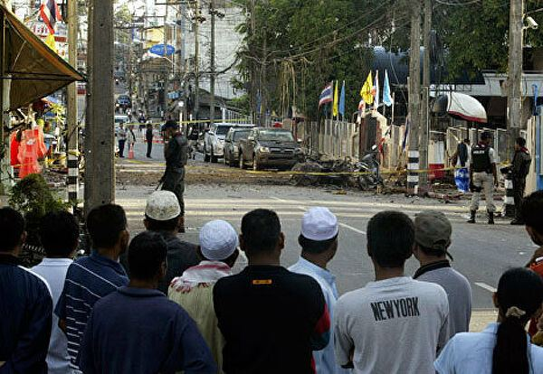 Восемь человек пострадали в результате взрыва на юге Таиланда