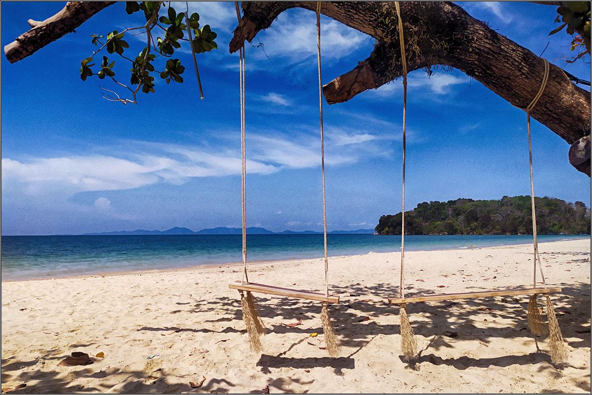 «Настольная игра для туристов»: пройди 22 этапа получения визы и отправься на зимовку в Таиланд