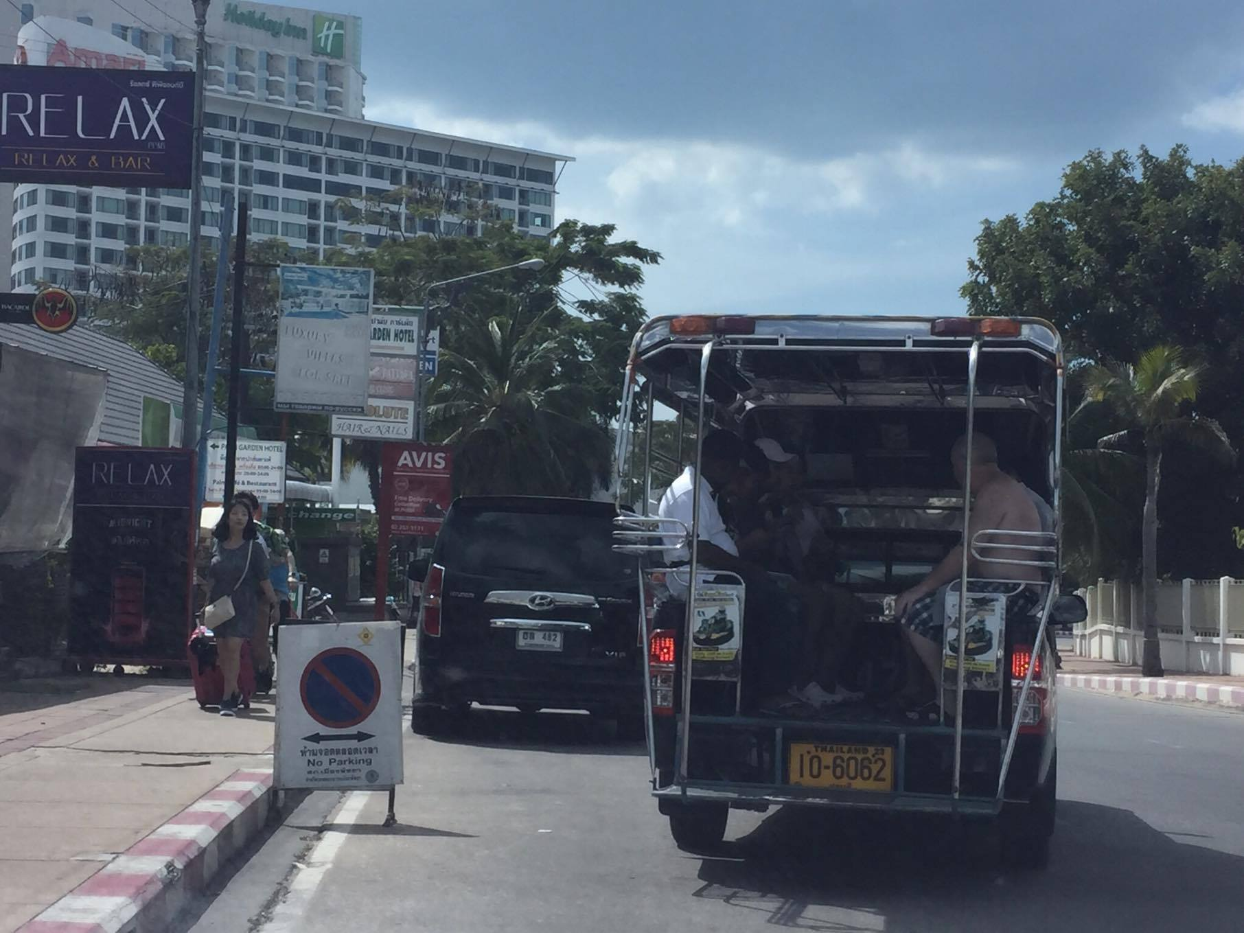 Военные потерпели крах в попытке урегулировать маршрутки в Паттайе