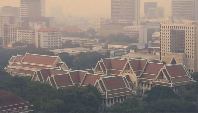 """Северные района Таиланда всё ещё """"утопают"""" в пыли"""