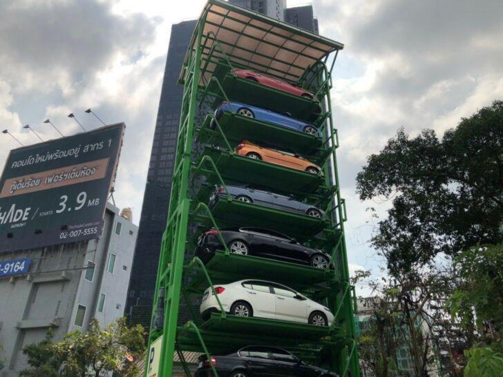 В Бангкоке появилась первая вертикальная парковка