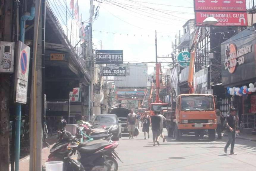 На Уолкин-стрит в Паттайе начинаются ремонтные работы