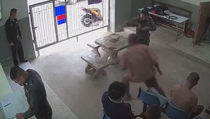 Дерзкий побег подсудимых в Таиланде попал на видео