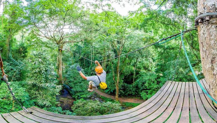 Тяжелый турист сорвался с аттракциона в Таиланде со 100-метровой высоты