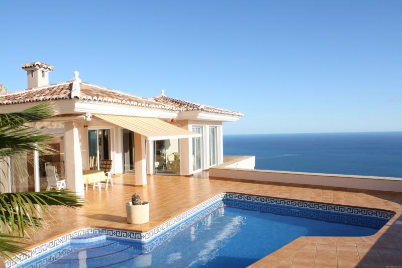 Недвижимость на островах испании