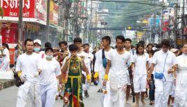 Храм Jui Tui Tao Bo Keng Shrine и еще несколько китайских храмов провели 12 ноября уличную процессию «в продолжение» вегетарианского фестиваля